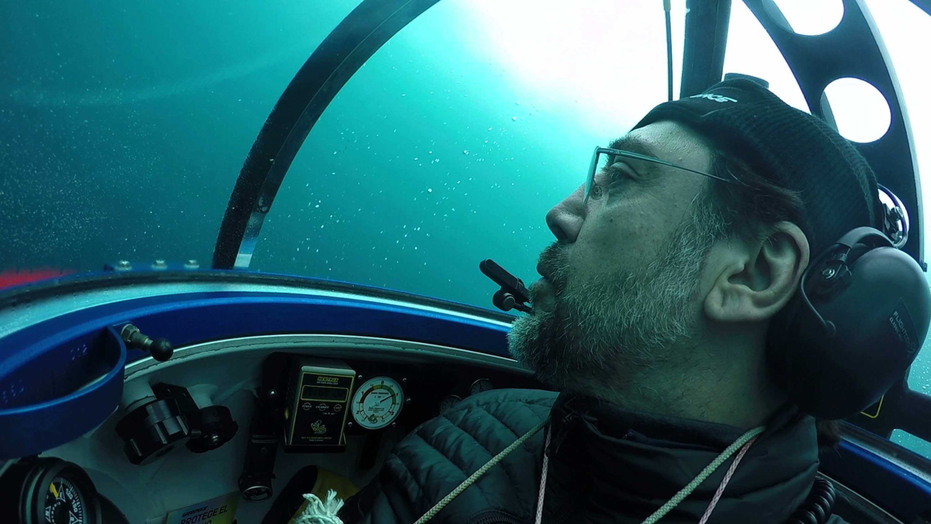 Photo made available by the Greenpeace organization on Jan. 30, 2018 shows Spanish actor Javier Bardem (L), in a two-man submarine, in the Antarctic Ocean, near the Antarctic Peninsula, Chile, Jan. 24, 2018.