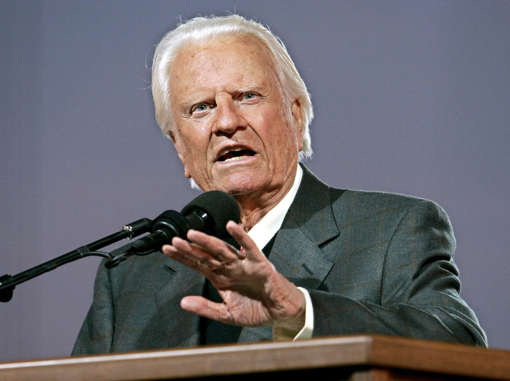 American evangelical Christian pastor Billy Graham speaks at the first night of the Greater New York Billy Graham Crusade, at Flushing Meadows Corona Park in Queens, New York, USA, on June 24, 2005. Media reports state that Billy Graham died aged 99 on Feb. 21, 2018, at his home Montreat, North Carolina. EFE