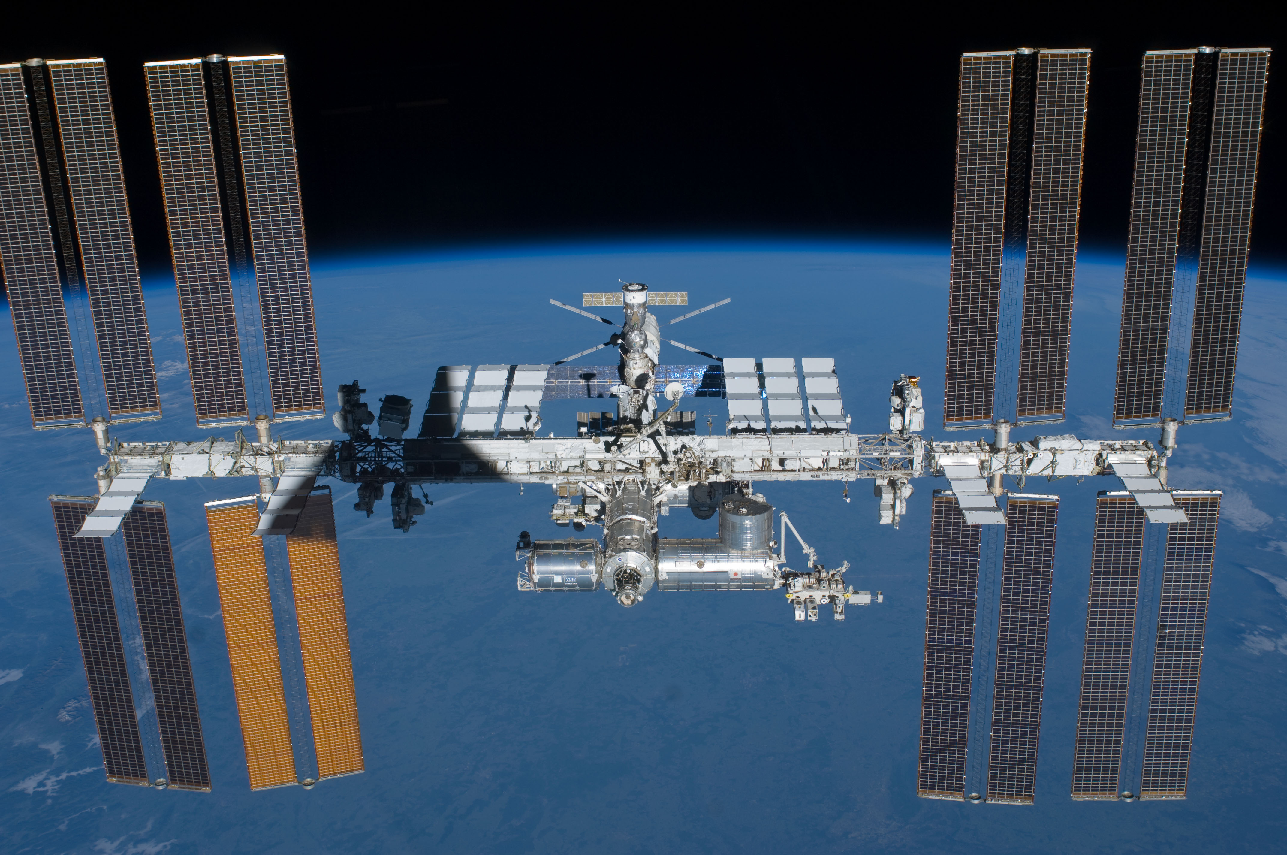 the solar space station facts information and pictures - HD4288×2848