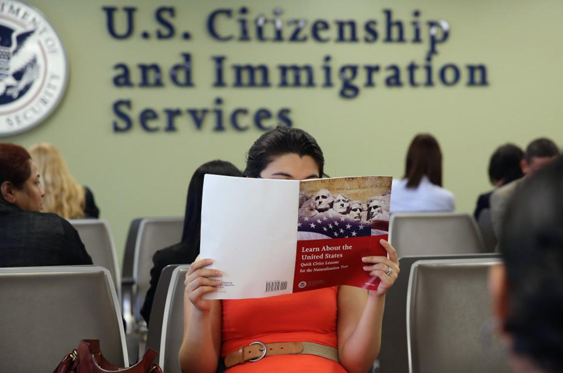 USCIS reverses last-minute citizenship test changes, back to 2008 version |  AL DÍA News