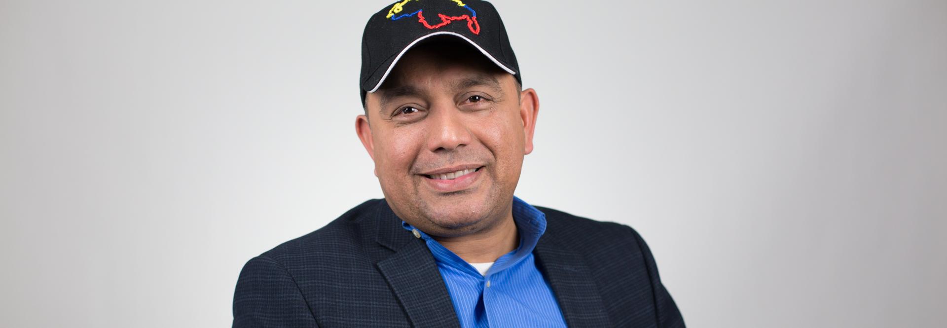 Emiluo Buitrago. Casa de Venezuela. Foto: Samantha Laub / AL DÍA News