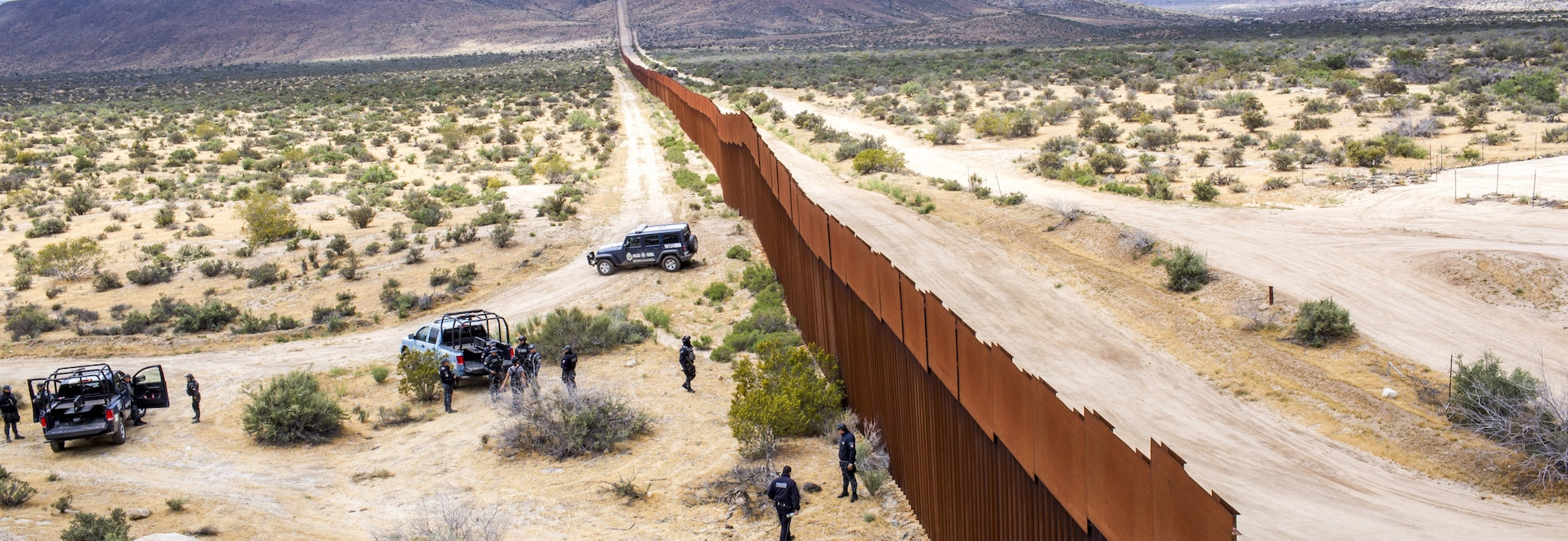 Troops: To the border!