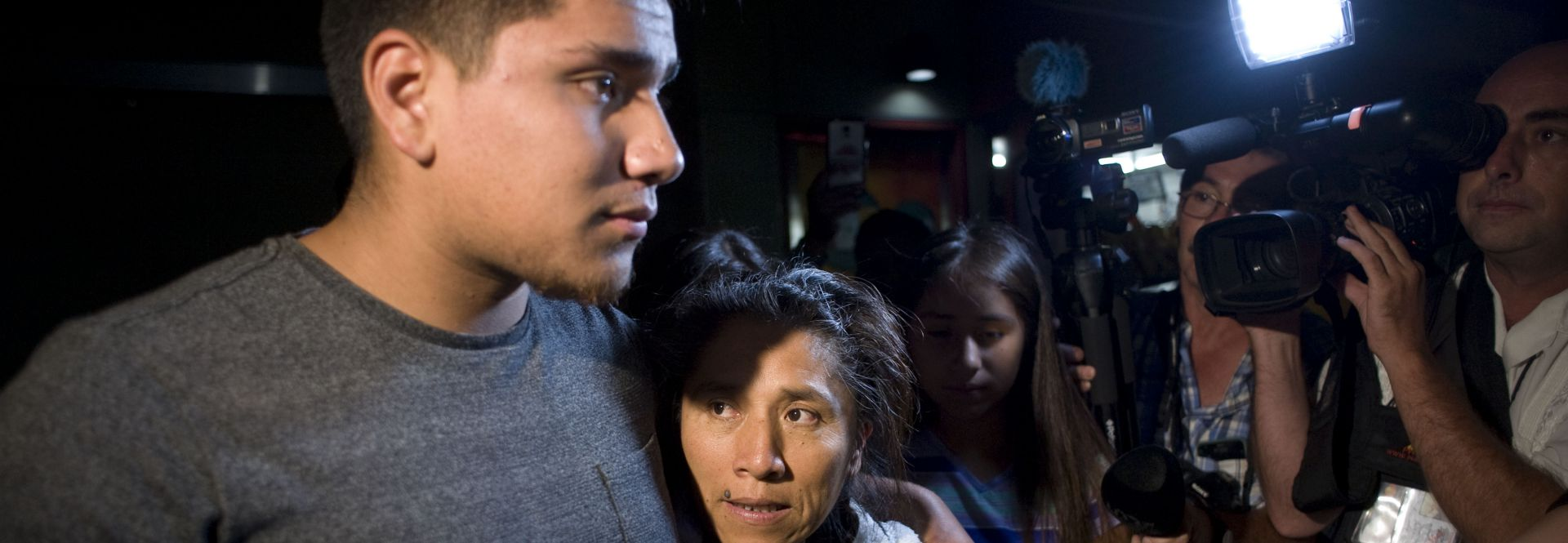 Photo provided on June 20, 2017 showing Mexican Rosenda Perez (C) next to her older son Francisco Duarte Jr., after being freed just a sort distance from the international border crossing with Mexico in San Ysidro, San Diego, California, United States on June 19, 2017. EFE/David Maung