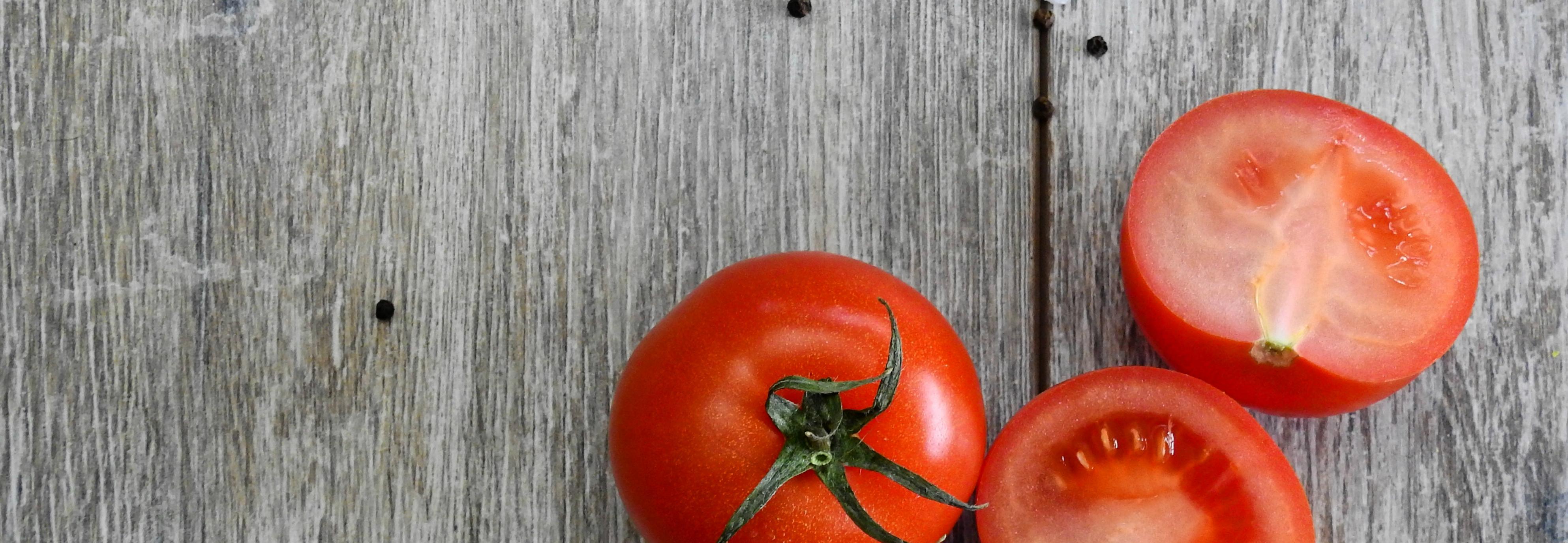 Dos tomates diarios para recuperarse del daño del tabaco