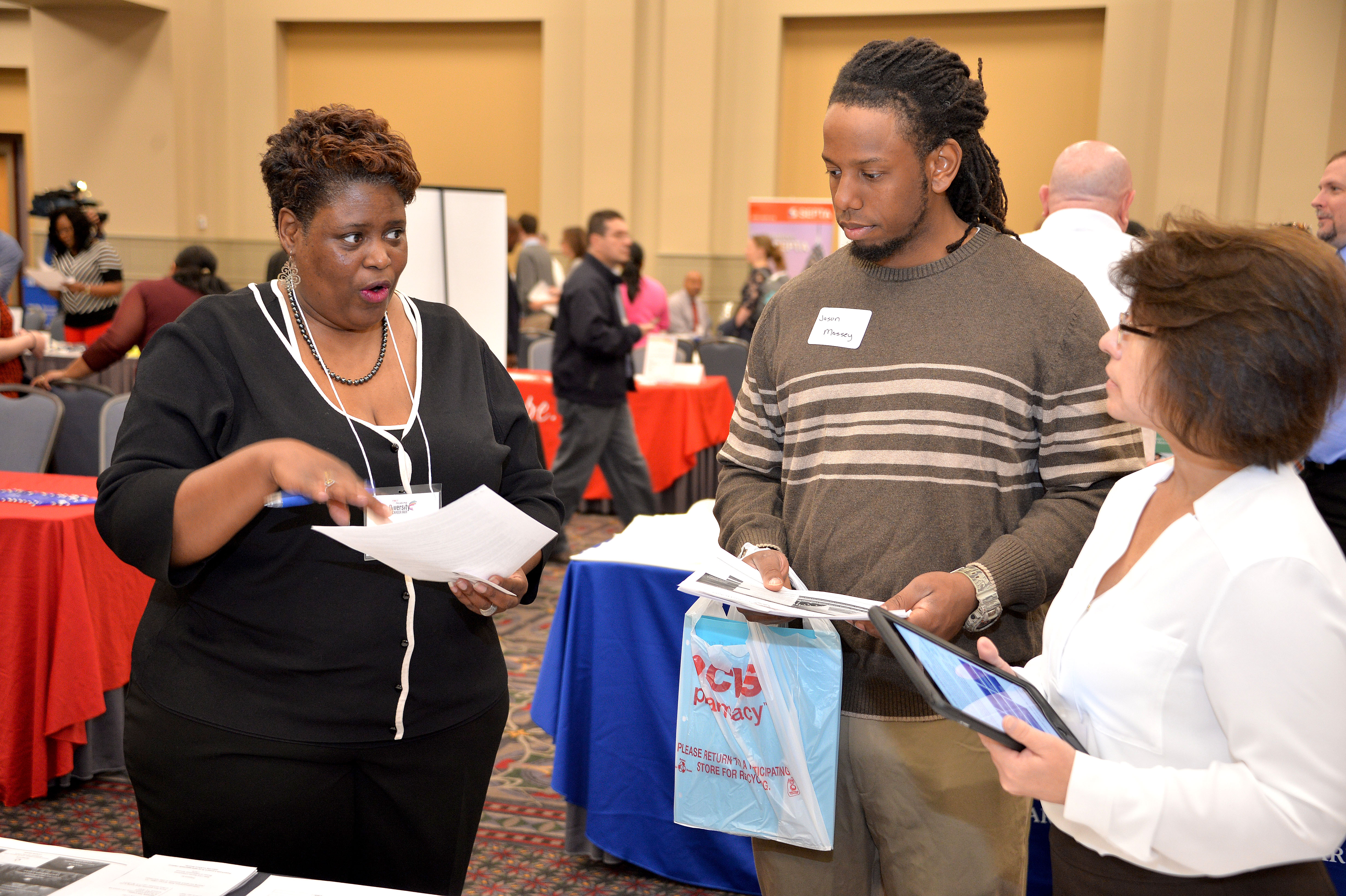 in search of the dream job al d iacute a news the philadelphia diversity career fair looks to improve opportunities for both individuals and employers photo