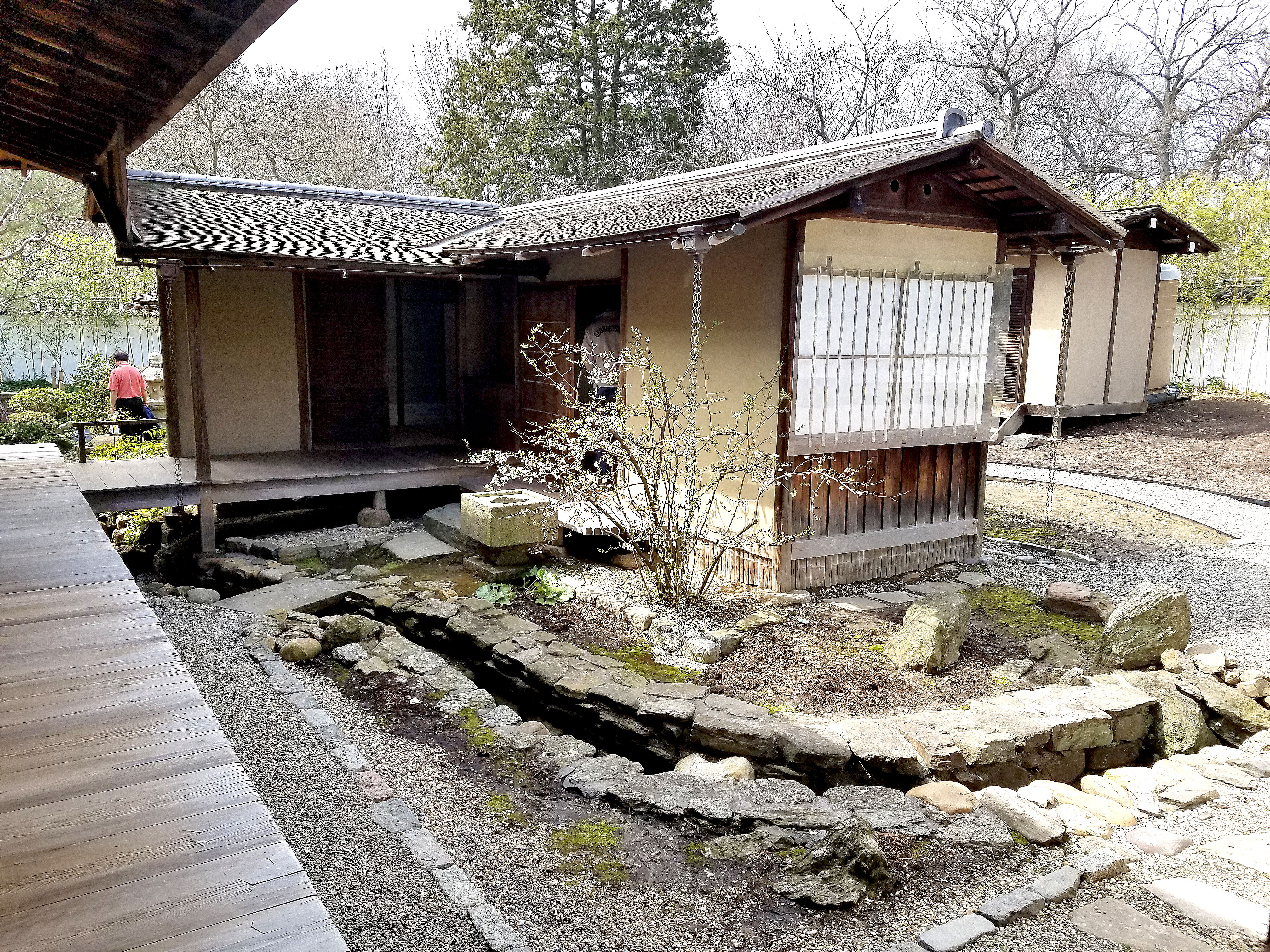 how to buy a house in japan