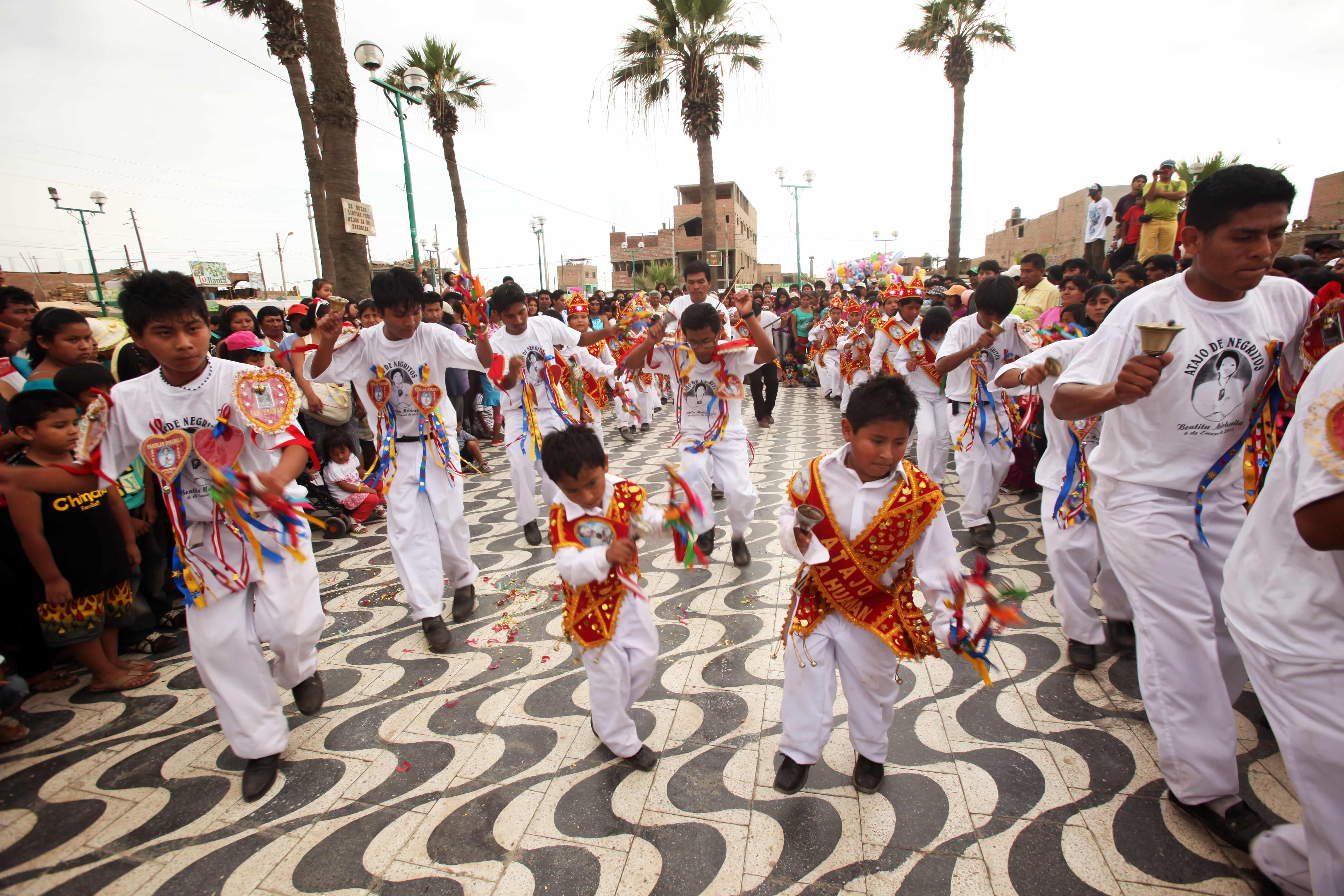 he hatajo de negritos is performed in town squares and in churches during December and January in preparation for Christmas, the Epiphany, the Festivity of the Virgin of El Carmen and the visit to Melchorita, the Servant of God