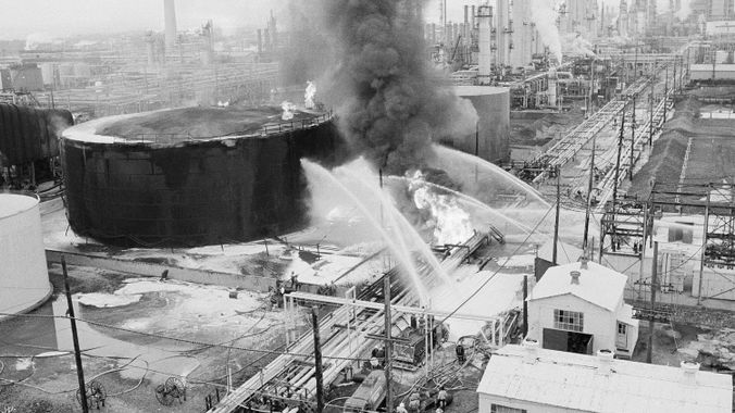 Things you need to know about South Philadelphia refinery explosion. ASSOCIATED PRESS / RUSTY KENNEDY