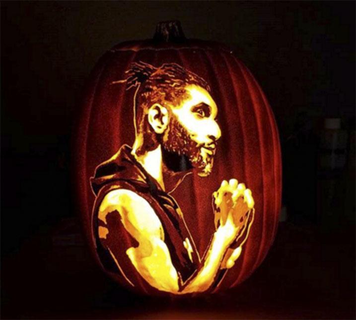 El ex jugador de los San Antonio Spurs Tim Duncan, obra del artista tejano.