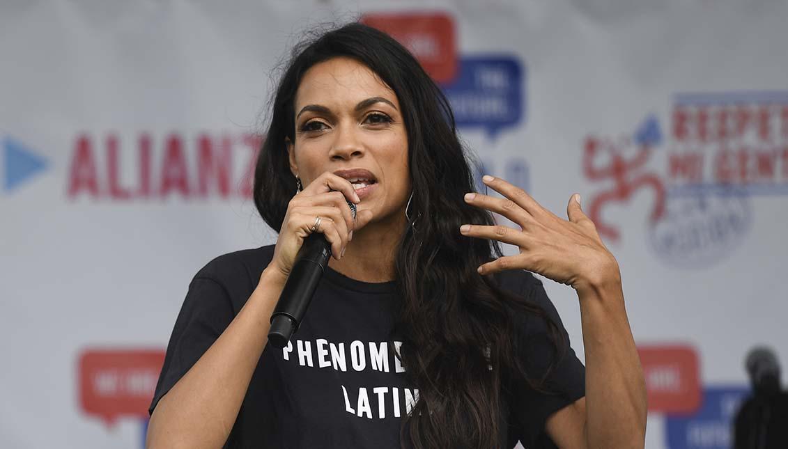 "Una activista comprometida con el ""Voto Latino"". Foto: Jeff J Mitchell/Getty Images."