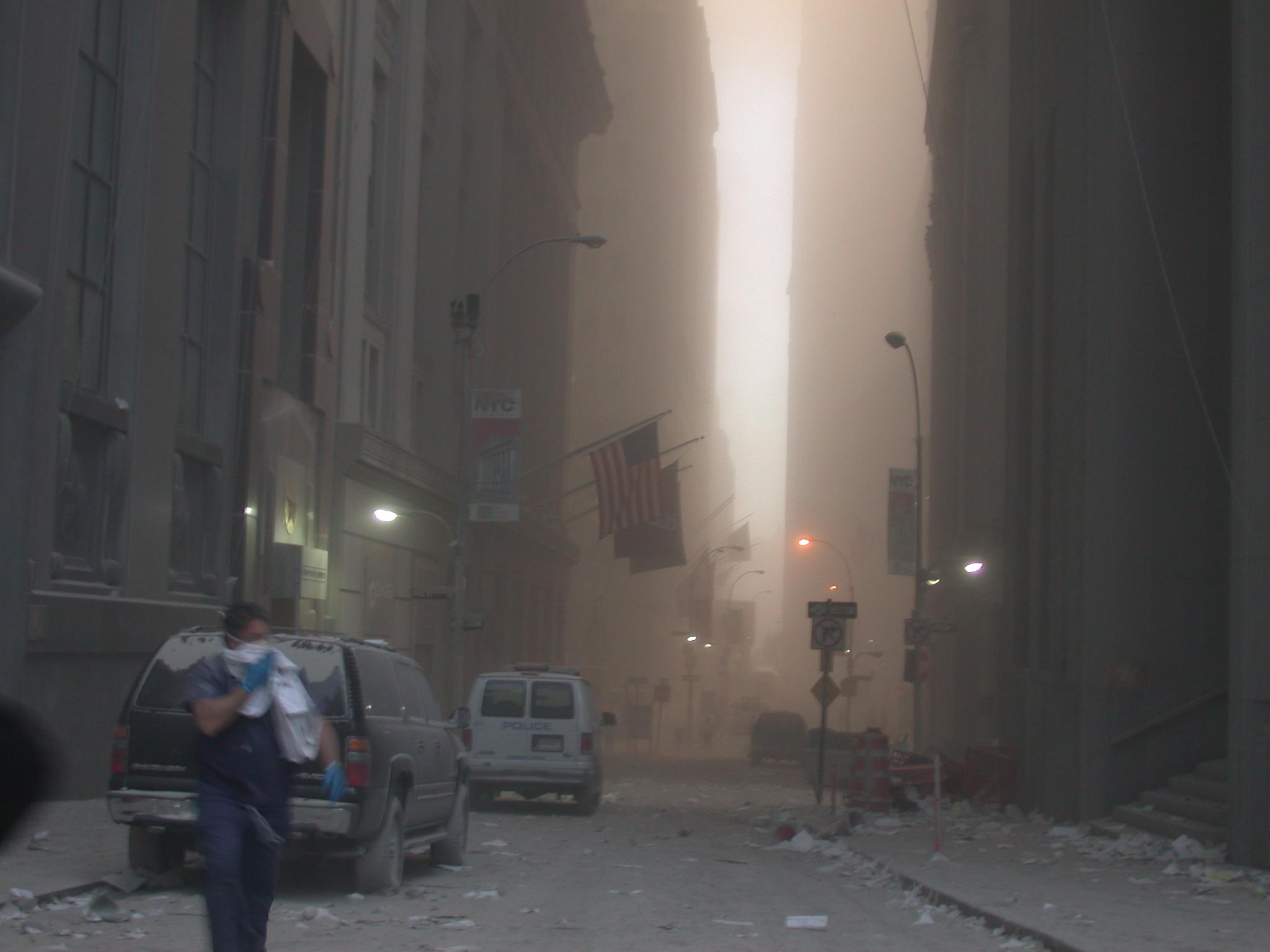Nueva York cubierta en humo luego del atentado