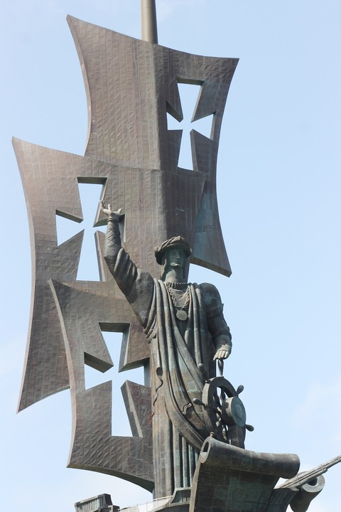 Estatua de Cristobal Colón en Puerto Rico