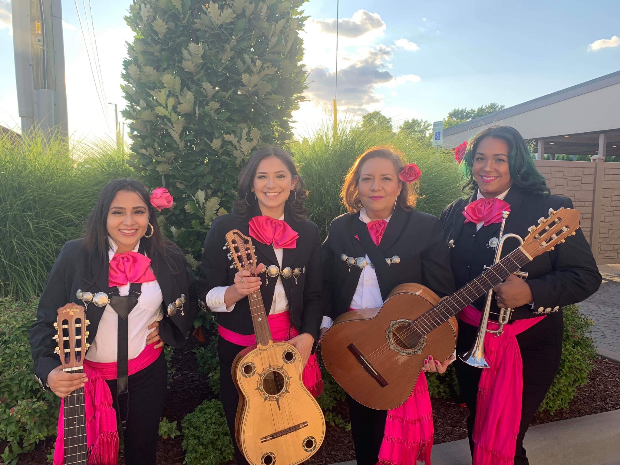 Current Members of Mariachi Femenil Detroit