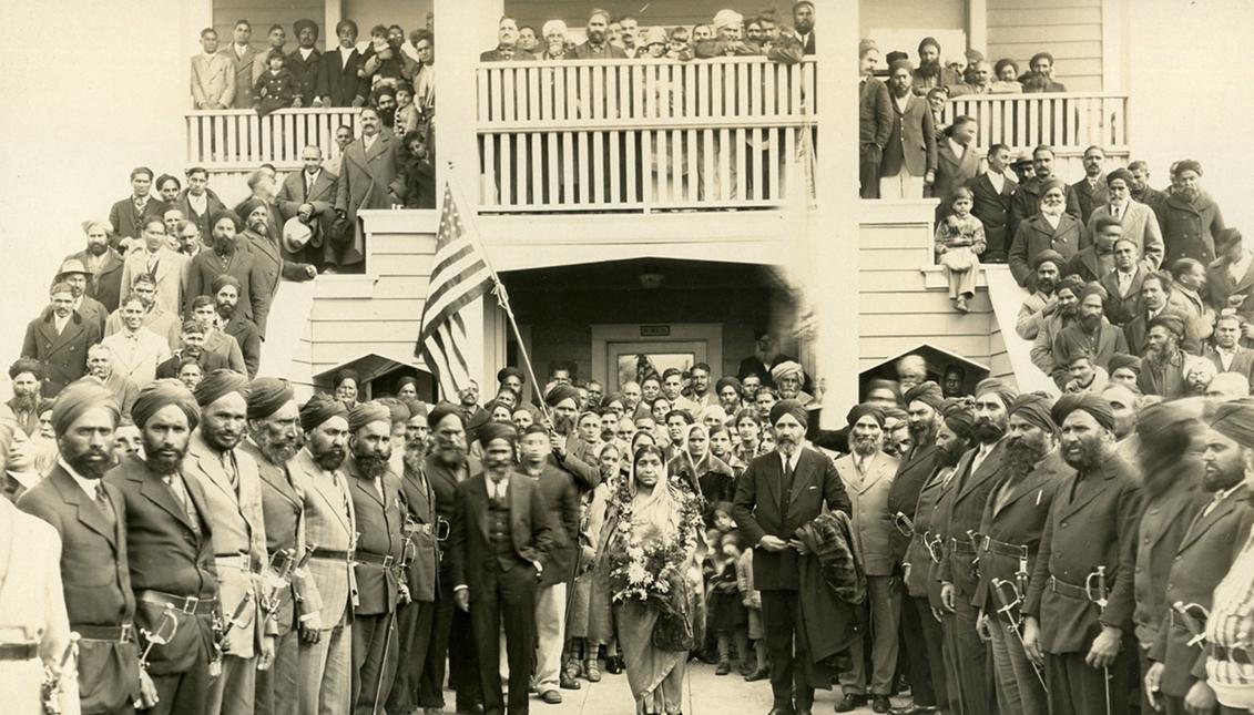 La Ley de Inmigración de 1917 no les permitió traer a sus familias desde el Punjab. Vía Medium.