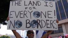 Las políticas de mano dura contra la inmigración ilegal propulsadas por el gobierno de Trump han despertado decenas de manifestaciones en los últimos meses. Foto: EFE