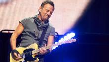 Bruce Springsteen, es otro de los tantos músicos que ha vetado a Trump en el uso de su música. infobae