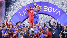 Cruz Azul lifted their ninth league title on Sundayand it is the first time they have done so in nearly 24 years. Photo: Getty Images.