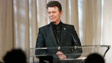 David Bowie fue un músico y compositor británico de rock, quien ejerció a su vez como actor, productor discográfico, arreglista y diseñador gráfico. Foto: Getty Images.