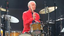 Charlie Watts went against the other members of the group. His temperament was far from the rocker stereotype. At the age of 13 he began to play the drums and never left jazz, which was his great motivation to get to music. Getty Images
