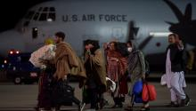 The last U.S. aircraft in Afghanistan leaves the country. Photo: Getty Images