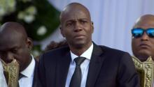El ya fallecido presidente de Haití, Jovenel Moise, asiste a los funerales del ex presidente haitiano René Preval, que falleció el 3 de marzo de 2017 a la edad de 74 años, en la zona de Champ de Mars de Puerto Príncipe, Haití, el 11 de marzo de 2017. Foto Gettyimages