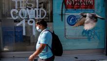 La restricción abarca a los 32 municipios de la provincia de Santiago y otros seis colindantes con relación estrecha, lo que estimó el ministro alcanza a unas 8 millones de personas. (FOTO: AFP/Martín Bernetti)