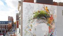 Mural Arts Porch Light y Morris Home unen fuerzas para crear dos murales en el sur de Filadelfia que describen la vida y la historia de ciudadanos trans y no binarios. Foto: Mural Arts