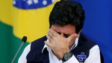 El ministro de Sanidad brasileño, Luiz Henrique Mandera, durante la rueda de prensa del 14 de abril. REUTERS