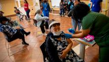 Fontalvo is one of many promotoras dispelling inaccuracies about the vaccine in the Latino community. Photo: wamu.org