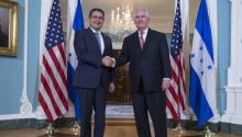 Honduran President Juan Orlando Hernandez on Tuesday met in Washington with US Secretary of State Rex Tillerson and various lawmakers. EPA/SHAWN THEW
