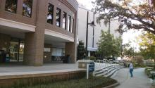 Picture of UWF library. Thomas Baxter/Wikipedia