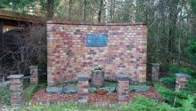 Monumento a los prisioneros del campo de concentración nazi de Schlieben-Berga, un subcampo de trabajos forzados de Buchenwald, en Alemania, donde estuvo prisionero Acevedo. Foto: Wikipedia.