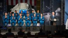 S Vice President Mike Pence (R), during the presentation of NASA's incoming class of 12 new astronaut candidates, in Austin, Texas, United States on June 7, 2017. EFE/NASA/Robert Markowitz
