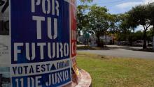 A view of the exterior of a polling place on June 11, 2017, in San Juan, Puerto Rico, where residents are voting in a non-binding referendum on the island's political status. EFE/Thais Llorca