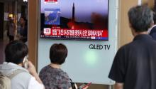 South Koreans watch a television displaying news broadcasts reporting on North Korea's latest ballistic missile launch, at a station in Seoul, South Korea, 29 August 2017. EPA-EFE/JEON HEON-KYUN