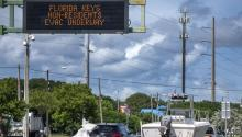 Motorists evacuating the Florida Keys passing through Key Largo, Florida, USA, 06 September 2017. EPA-EFE/CRISTOBAL HERRERA