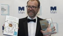 George Saunders from the United States, winner of the Man Booker Prize for Fiction with his novel, 'Lincoln In The Bardo', poses for pictures following the announcement at the Guildhall in London, Britain, 17 October 2017. EPA-EFE/WILL OLIVER