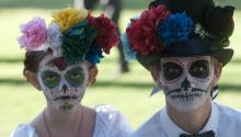 Children participate in the Little Angels Parade, a festival based on the traditional Day of the Dead in Tucson, Arizona. EFE/File