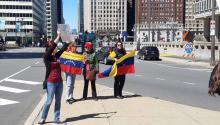 El pasado 8 de abril, varios miembros de la comunidad de Venezuela en Filadelfia se unieron a las manifestaciones en su país contra el gobierno de Nicolás Maduro. Foto: Tomada de Casa de Venezuela.