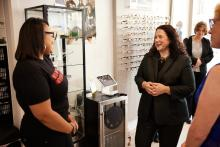 SBA Administrator Isabel Guzman talks to Tiffany Ward, owner of NV My Eyewear at 13752nd street in West Philly. Photo: Harrison Brink/AL DÍA News.