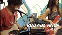 Rudy de Anda is a Mexican-American artist who presents a discography from psychedelic grunge to indie. Photo: Youtube