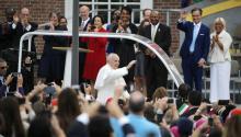 El papa se pregunta si le ofrecerán tequila en México