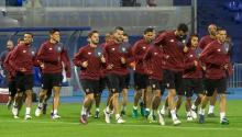 Los jugadores del Sevilla durante el entrenamiento del equipo en Zagreb, Croacia.EFE