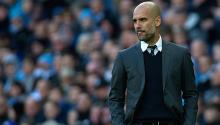 El entrenador del Manchester City, Pep Guardiola, reacciona durante el partido de fútbol Inglés Premier League entre el Manchester United y el Southampton en el estadio Etihad en Manchester, Gran Bretaña. EFE