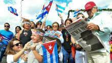 Hundreds of Cuban American celebrated the death of Fidel Castro in the streets of Little Habana, in Miami, this weekend. EFE/GIORGIO VIERA