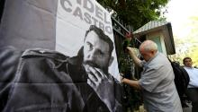 A man pays tribute to late Cuban leader Fidel Castro at the Embassy of Cuba in Hanoi, Vietnam, 28 November 2016. Former Cuban President Fidel Castro died at the age of 90, in Cuba, on 25 November 2016. EPA/LUONG THAI LINH