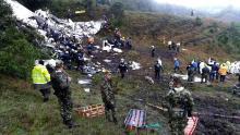 Escena del accidente en Medellín, Colombia, que cobró la vida de 71 pasajeros, incluyendo a casi todo el equipo de Fútbol Champecoense. Sólo tres personas lograron sobrevivir. Foto:EFE.