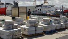 Four Guyanese citizens were arrested in an operation that seized 4.2 tons of cocaine valued at $ 125 million in a vessel north of Suriname, the San Juan Coast Guard reported on February 16tg. The operation was carried out in the Atlantic Ocean, when a boat of the American Drug Agency detected the 70 feet length fishing vessel, registered in the island of San Vicente, loading the drug. San Juan Coast Guard captain Francisco Rego said this is the largest seizure in the Atlantic Ocean since 1999. EFE / DEA