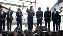 Trump says he has full confidence in Sessions US President Donald J. Trump (C), along with Secretary of Defense James Mattis (R) and Navy personnel, rides an elevator to the flight deck of the Gerald R. Ford aircraft carrier after speaking to sailors in Newport News, Virginia, USA. EFE