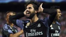 Real Madrid midfielder Isco Alarcón celebrates his goal, first of the team against Atletico Madrid, during the return leg of the Champions League semifinals. EFE